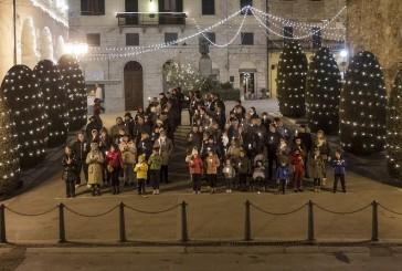 Presepi, cori, pire e l'arrivo di Babbo Natale