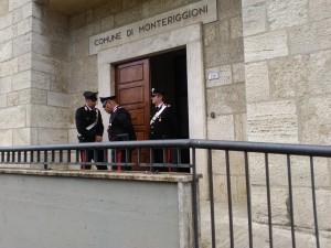 I Carabinieri al Comune di Monteriggioni (foto di Augusto Mattioli)