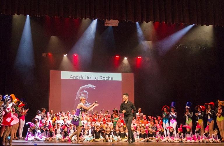 Dance Group 2000: tutti matti per un cappellaio d'eccezione