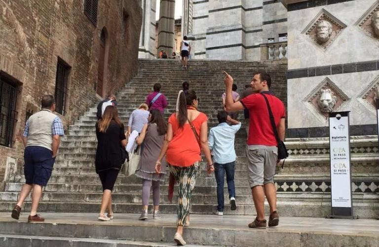 """#SienaFrancigena si colora con """"Toscana Arcobaleno d'estate"""""""