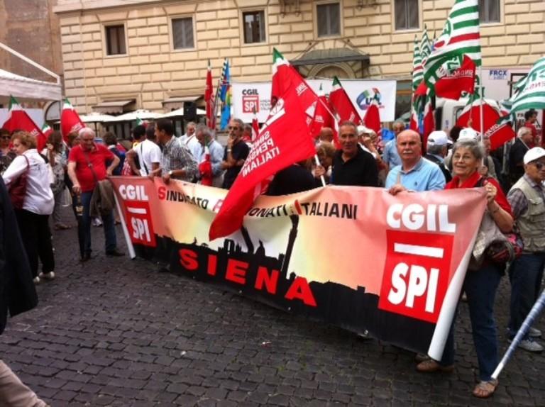 Pensionati Cgil, Cisl e Uil in presidio contro la Legge di Bilancio