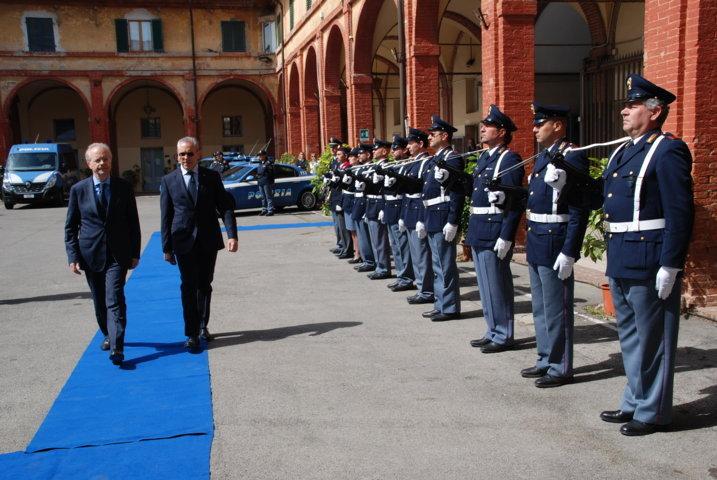 Siena: celebrati i 164 anni della Polizia di Stato. Per esserci ...