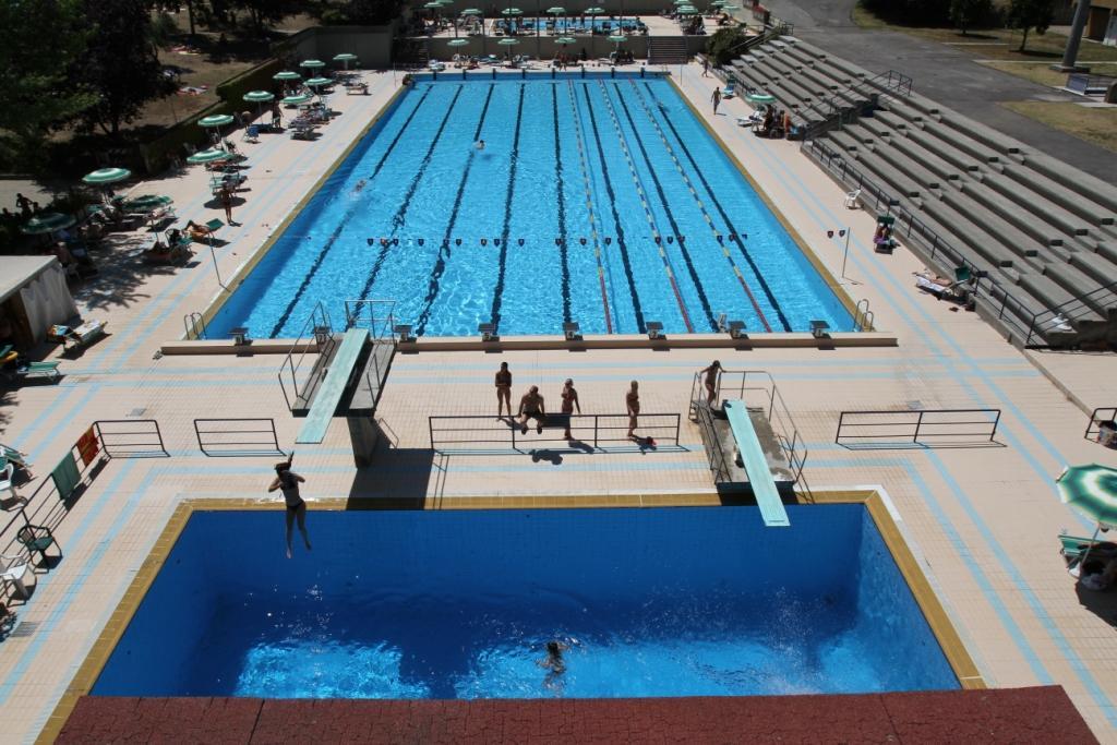 Nuoto a chianciano il trofeo kinder tutti in piscina for Piscine dinosaure