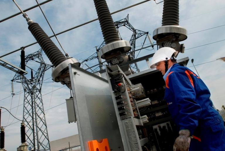 Lavori Enel al sistema elettrico a Monteriggioni