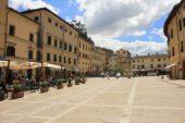 piazza cetona 2 170x113 Home Page