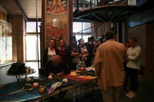 Liceo Bruco 2 300x200 Gli studenti dellArtistico a scuola di restauro di drappelloni nel Bruco