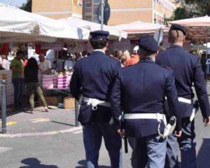 polizia 300x240 Fiera di Sinalunga: controlli massicci delle forze dellordine