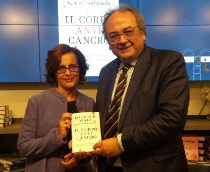 Michele Maio con la co-autrice Agnese Codignola