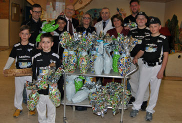 Siena Baseball dona uova di Pasqua al Materno-Infantile