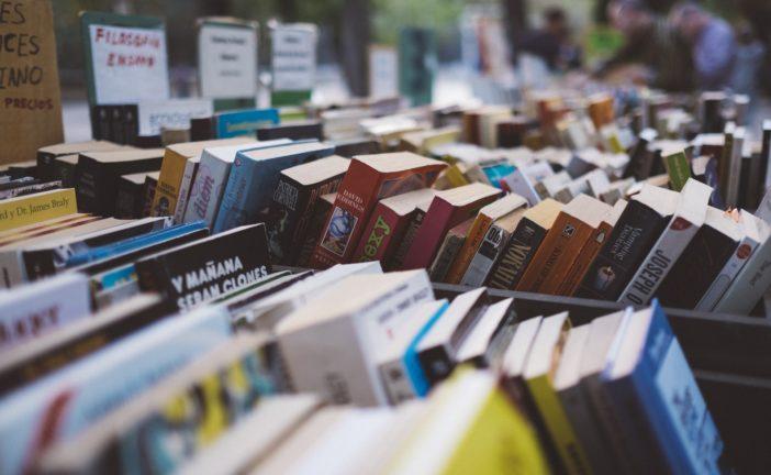 Leggere insieme: incontri letterari con gli autori