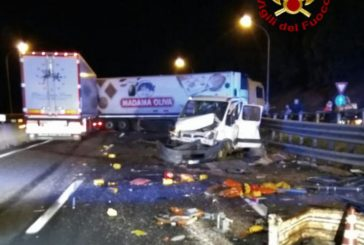 Incidente sulla A1: coinvolti due tir e un furgone
