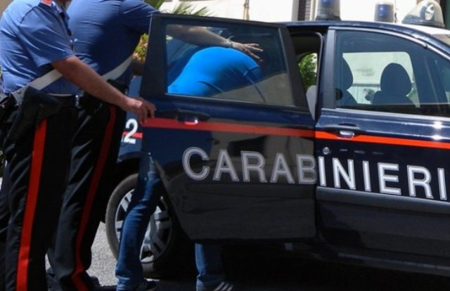 Tenta di violentare una turista prima del Palio: arrestato dai Carabinieri