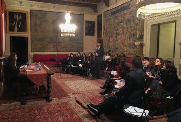 Simulazione parlamentare: gli studenti scrivono un disegno di legge