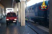 Locomotore a fuoco alla stazione di Poggibonsi