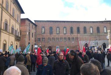 Siena: mobilitazione dei pensionati contro la manovra del governo