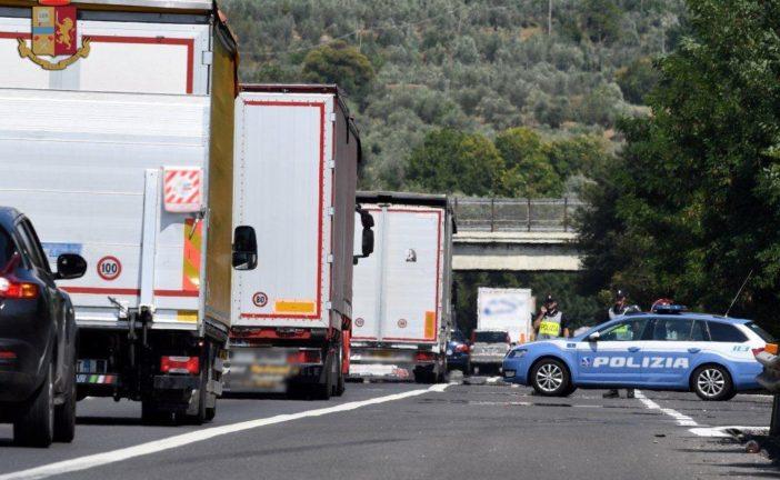 Controlli della Polstrada ai tir: denunciato un camionista