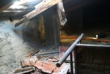 Crolla parzialmente un terratetto a Colle Valdelsa