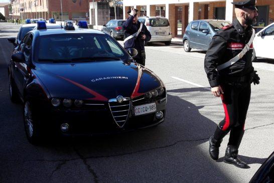 Uomo arrestato per spaccio di banconote false e furto