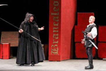 """""""Brancaleone da l'Orcia"""" fa tappa al Teatro dei Concordi"""