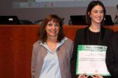 Studentessa Unisi vince un premio per la tesi sull'igiene dentale