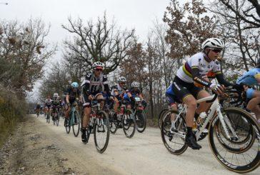 Strade Bianche Celesti, i campioni del ciclismo alla scoperta dell'Onda