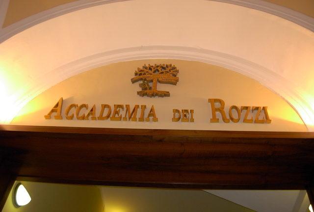 L'Accademia dei Rozzi beneficia alcune associazioni