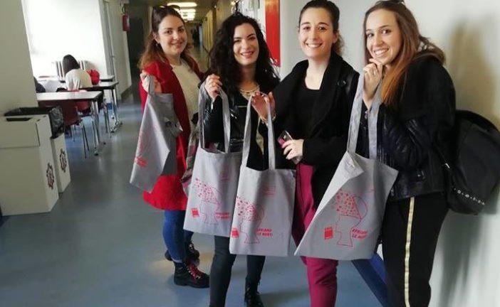 Le donne della Cgil informano altre donne