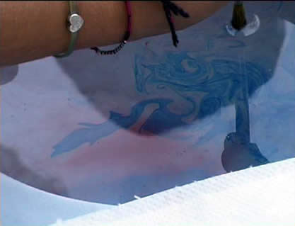 Cerchi d'acqua e nuvole nella fontana di Sarkis
