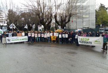 In 400 in marcia contro i pesticidi