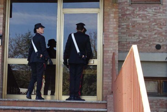 I Carabinieri salvano 88enne colpito da malore in casa