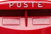 Le Poste rifanno il look alle cassette rosse