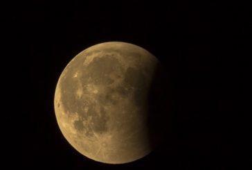 Eclisse parziale di luna: l'Unione astrofili invita all'osservazione del cielo