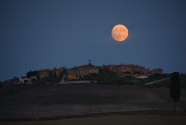 Un trekking nelle Crete alla luce della luna piena