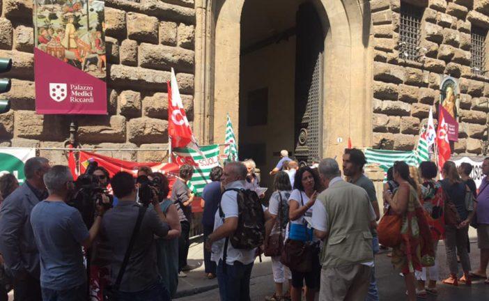 Precari della scuola in presidio a Firenze