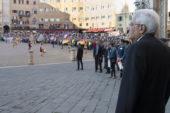Mattarella legge messaggio degli studenti di Sarteano a L'Aquila
