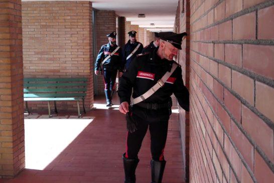 Colpito da malore in casa: 70enne salvato dai Carabinieri