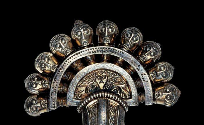 Al Museo Etrusco Pacini parla della fibula della tomba 3 dell'Arcisa