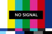 Tecnici al lavoro per migliorare il segnale tv