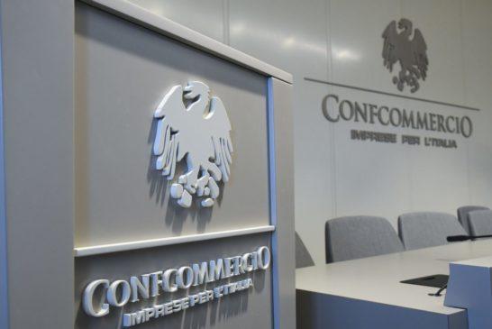 La fotografia di Siena elaborata dall'Ufficio Studi di Confcommercio nazionale