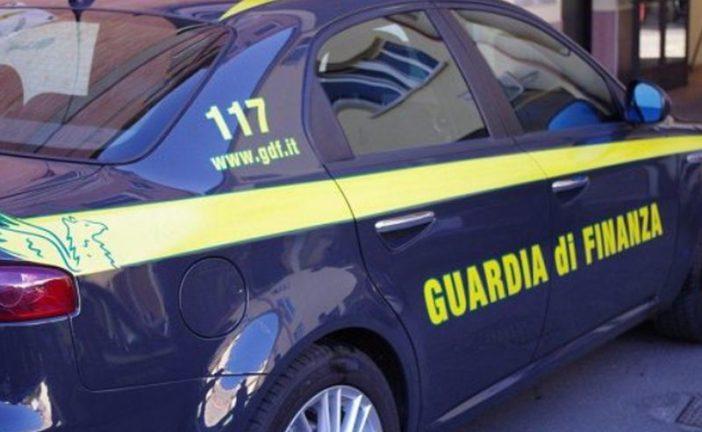 Straniero in giro in auto senza validi motivi: sanzionato dalla Finanza