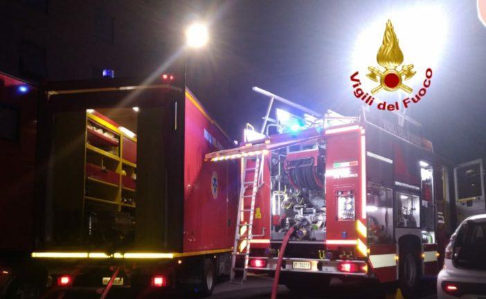 Incendio in un appartamento a Siena: tre persone evacuate