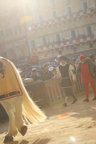 Palio di Siena: il corteo