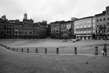 La piazza nuda
