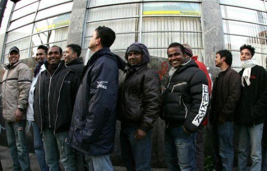 Corso per extracomunitari e datori di lavoro: come districarsi tra le carte