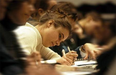 Studenti tutor, 90 posti disponibili: onori e oneri