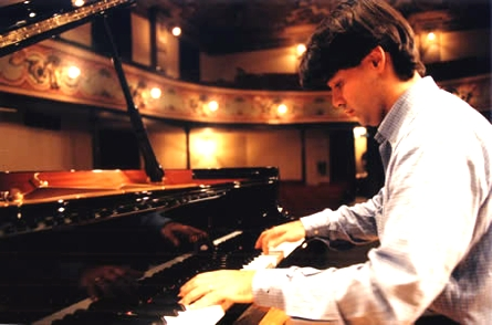 Concerto del pianista Pietro De Maria al Franci