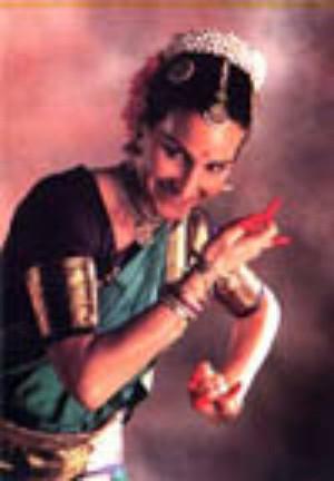 """Le tante """"Amine"""" di Natana Vedica: danza alla Corte dei Miracoli"""