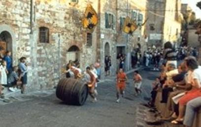 """Montepulciano si prepara alla """"bella stagione"""" con un cartellone al top"""