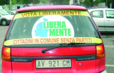 """Poggibonsi, auto """"promozionali"""" per LiberaMente"""
