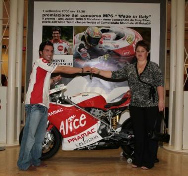 """Elias premia la vincitrice del concorso """"Mps – Made in Italy"""""""